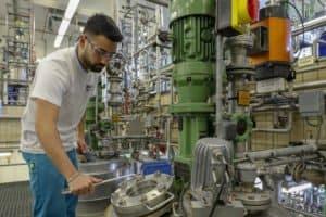 Businessfotografie, Chance Industrie: Kalle Albert Bereich Chemikant/ Chemielaborant. Ausbildungsberuf Chemiekant